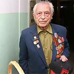 Футболисты «Рубина» поздравили ветеранов