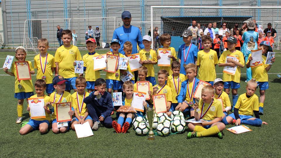 Тарас Бурлак организовал крупный детский турнир во Владивостоке