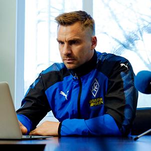 Сергей Корниленко пообщался с болельщиками