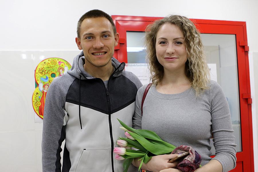 «Урал» поздравил девушек-доноров с 8 марта
