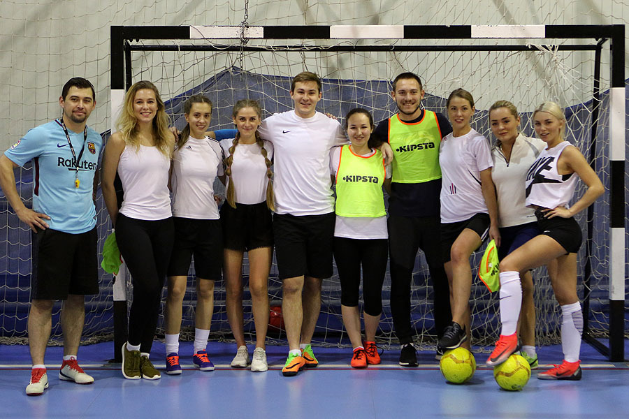 Меркулов и Панюков «прокачали» женскую футбольную команду
