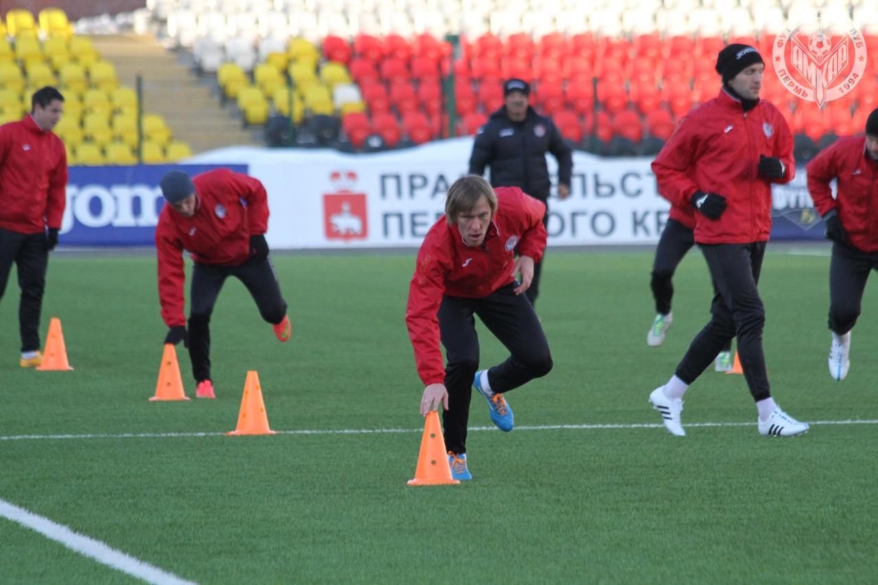Первое в новом году тренировочное занятие «Амкара» на стадионе «Звезда»