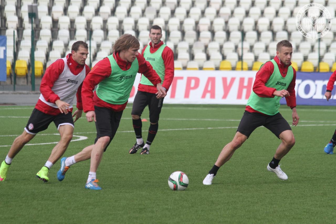 Подготовка футболистов «Амкара» к матчу «Зенитом»