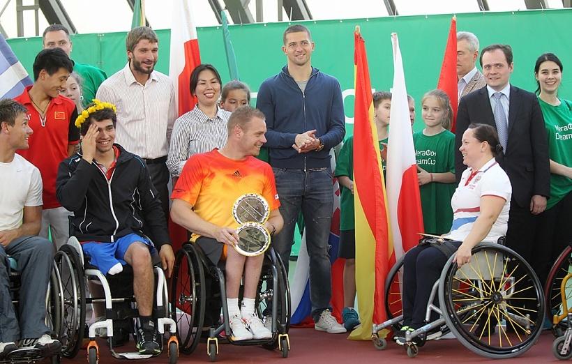 Михаил Кержаков наградил победителей турнира по теннису на колясках «МегаФон DreamCup»