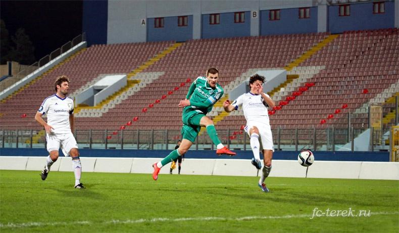 Грозненцы обыграли «Стабек» со счетом 2:0