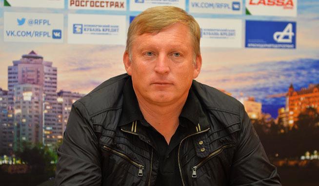 Игорь Осинькин: «Футболисты понимают: раз попали в такую ситуацию, нужно вылезать»
