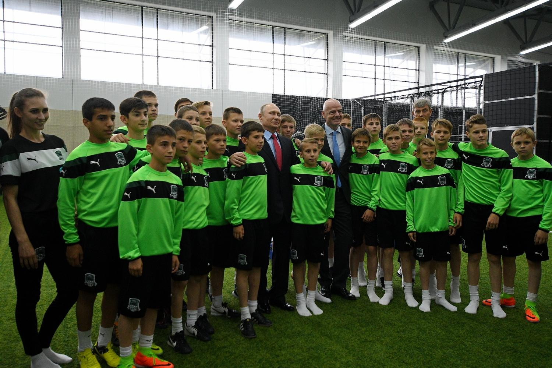 Стадион и Академию ФК «Краснодар» посетили Владимир Путин, Джанни Инфантино, Виталий Мутко и Вениамин Кондратьев