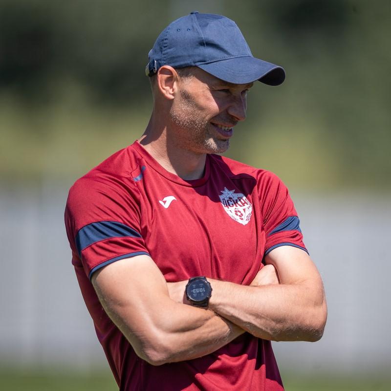 ЦСКА объявил об утверждении Алексея Березуцкого в роли главного тренера команды