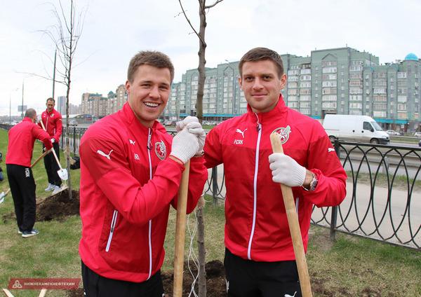 Игроки «Рубина» высадили  у стадиона «Казань Арена» 58 деревьев в честь дня рождения клуба