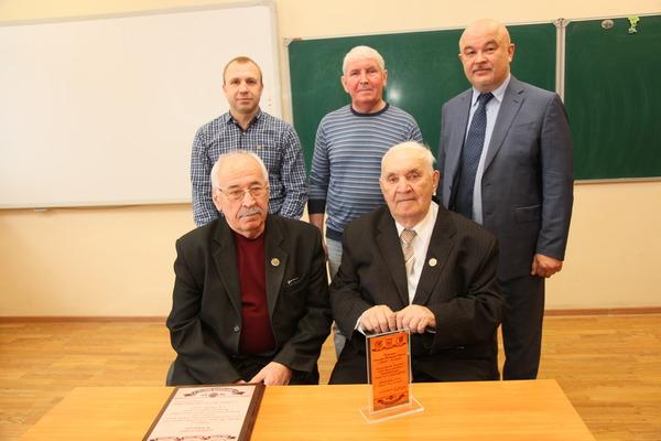 ФК «Рубин» поздравил ветеранов