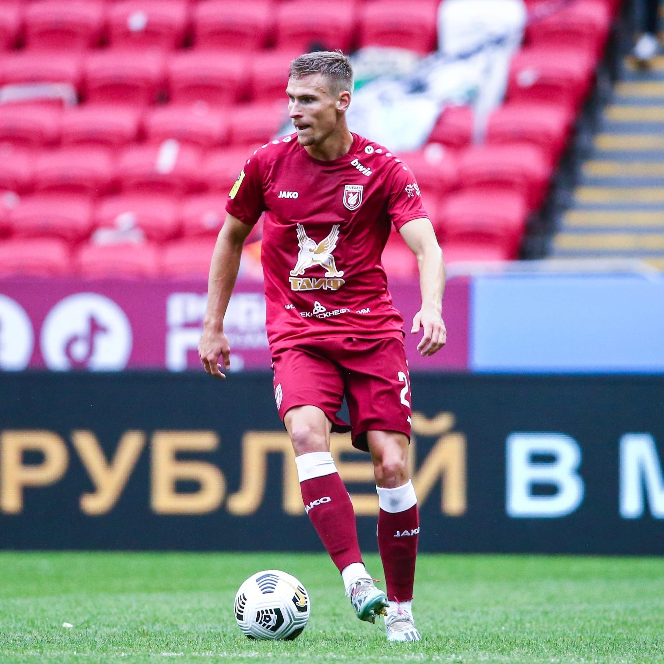 Карл Старфельт продолжит карьеру в шотландском «Селтике»