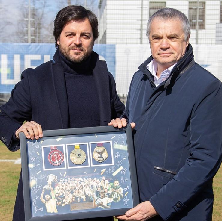«Зенит» объявил об уходе спортивного директора Хавьера Рибалты