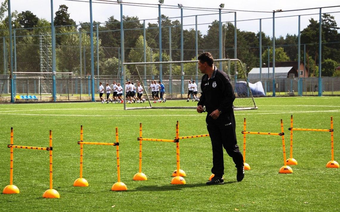 Футболисты «Торпедо» приступили к тренировкам