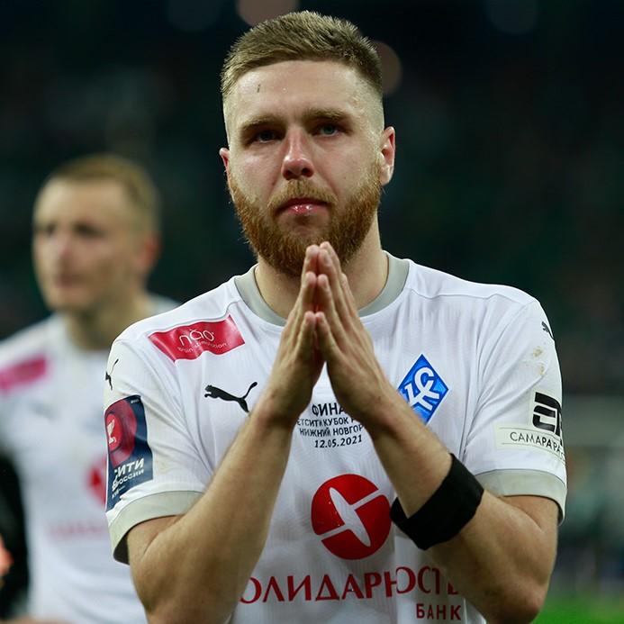 Иван Сергеев и пять игроков «Крыльев Советов» переподписали контракты с клубом