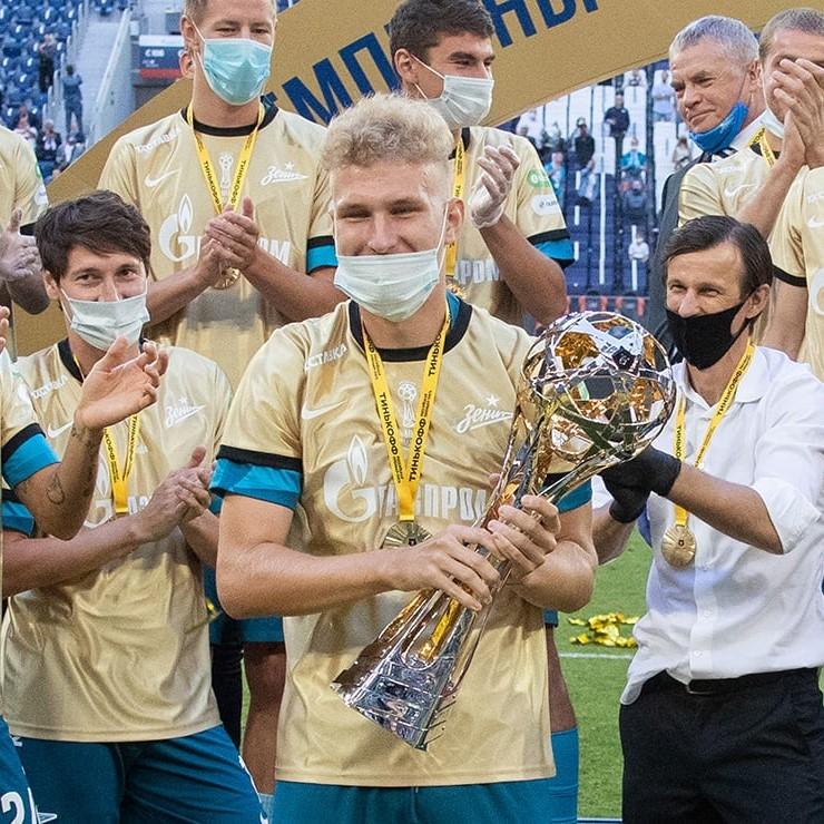 «Балтика» арендовала полузащитника «Зенита» Даниила Шамкина