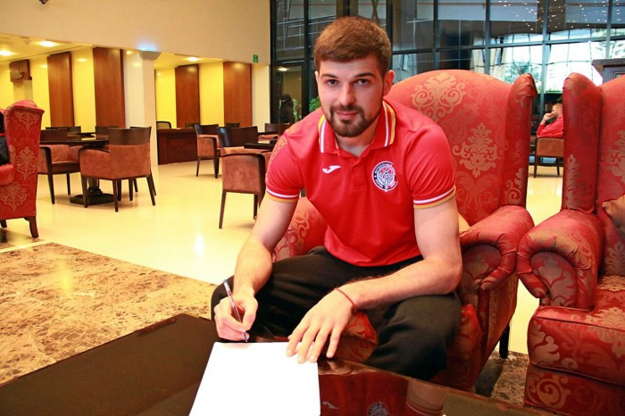 Давид Дзахов подписал 3-летний контракт с «Амкаром»