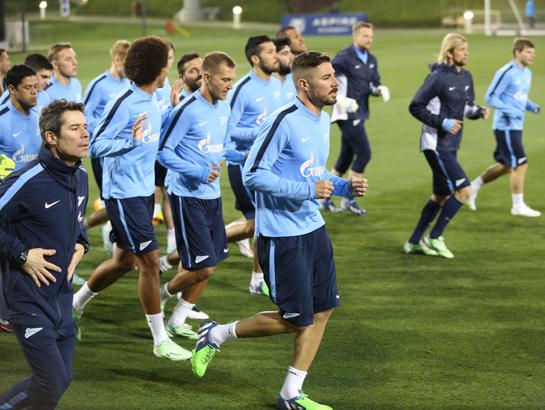 «Зенит» в Катаре: команда провела первую в году тренировку