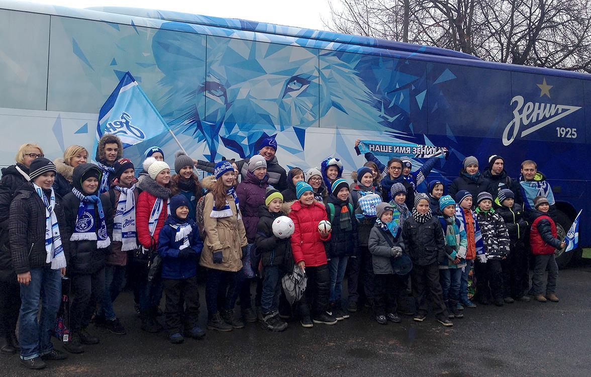 Ученики лицея № 369 встретились с футболистами «Зенита»