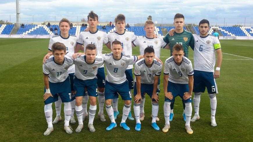 Юношеская сборная России уступила Англии
