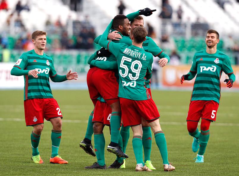 Гол Фарфана принес победу «Локомотиву»