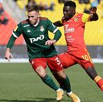 «Локомотив» выиграл у «Арсенала» благодаря голу и результативному пасу Смолова