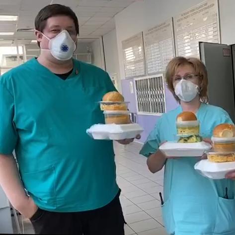 РПЛ и «Лига Ставок» доставили больше тысячи обедов и ужинов врачам