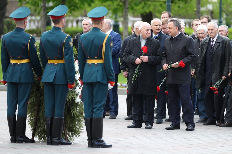 Ветераны отечественного футбола возложили цветы к Могиле Неизвестного Солдата
