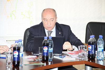 Делегат ФИФА и УЕФА Янис Межецкис выступил перед делегатами матчей