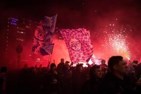 Болельщики встретили чемпионов РПЛ в Пулково