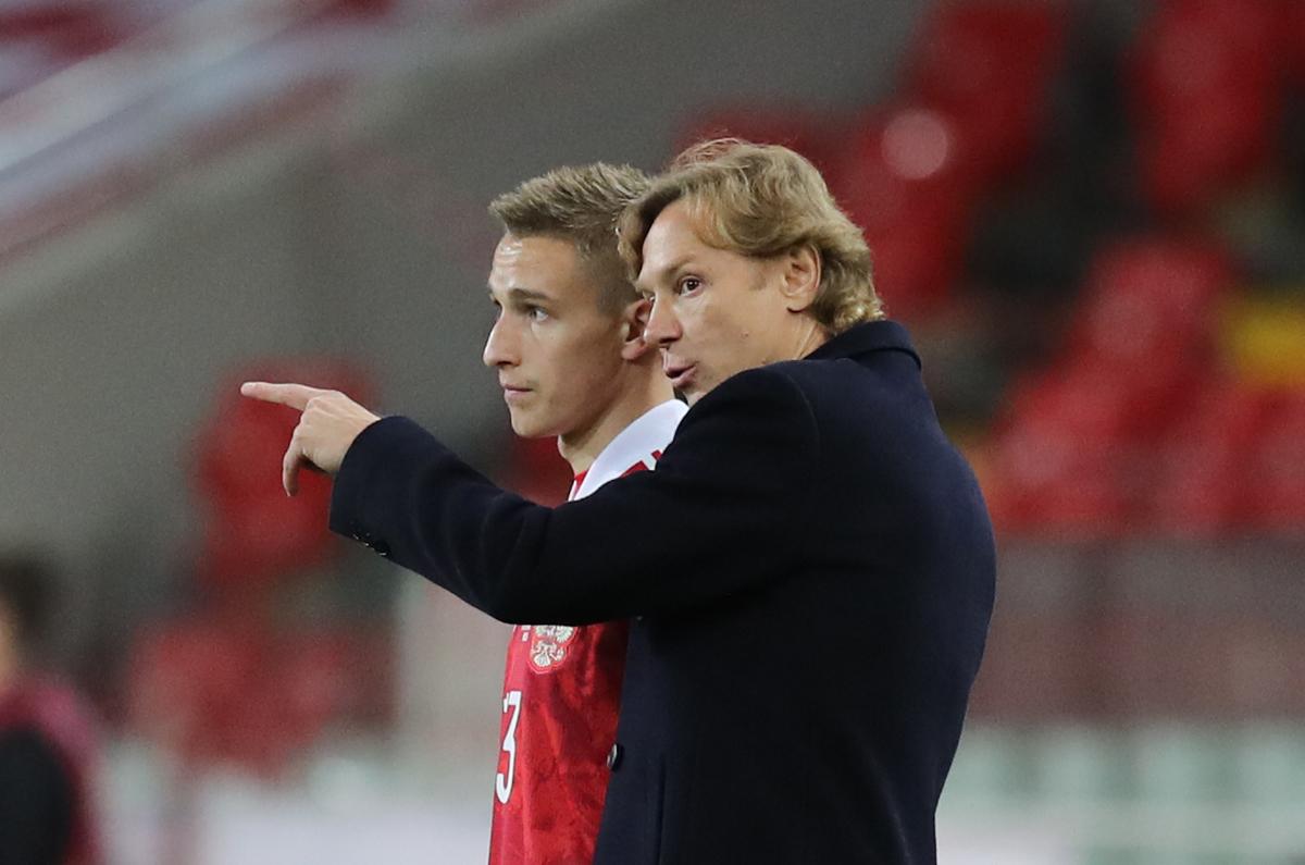 Илья Самошников, Валерий Карпин