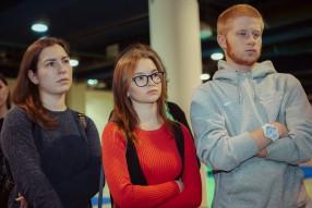 Студенты на XV Международной выставке «Футбол Марк ...